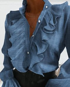 Trend Fashion, Diva Fashion, Ruffles, Professional Outfits, Look Chic, Fashion Pictures, Timeless Fashion, Blouse Designs, Sleeve Styles
