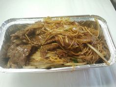 Beef chow mein. This is the dry version used in most take away's & restaurants. Ingredients: Chopped beef; Onion; Beansprouts; Spring onions; Fine noodles; Dark & light soy sauce; Salt & pepper; Sesame oil. Quantities to taste.