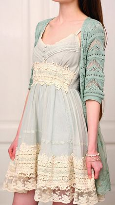 #Mint lace dress http://rstyle.me/n/f9bunnyg6