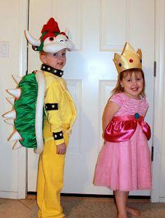"Halloween Costume Ideas: Reader Roundup 2011 ""Bowser and Princess Peach"" Dyi Costume, Mario Costume, Costume Ideas, Halloween Kostüm, Family Halloween, Halloween Costumes For Kids, Princess Peach Costume, Mario And Princess Peach, Holiday Costumes"