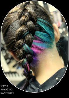 Katia Miyazaki Coiffeur - Salão de Beleza em Floripa: trança raiz lateral - cabelo colorido na nuca - ra...