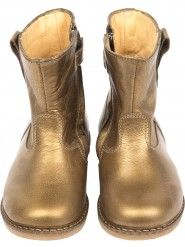 Buy Pom D'Api Girls Trip Boots in Brown at Elias & Grace. Browse this seasons cutest Girls Shoes handpicked by Elias & Grace Cute Girl Shoes, Girls Shoes, Brown Boots, Rubber Rain Boots, My Girl, Cowboy Boots, Chelsea Boots, Riding Boots, Fashion Shoes