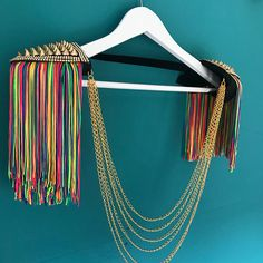 Pink neon tassel festival tassel epaulettes, festival outfits, festival epaulettes, rave tassel festival shoulderpieces, burning man - Wedding World Rainbow Outfit, Neon Rainbow, Rainbow Clothes, Diy Fashion, Trendy Fashion, Mens Fashion, Festival Outfits, Festival Fashion, Festival Costumes