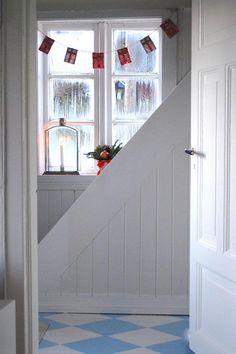 white wood paneling | Emmelines blogg