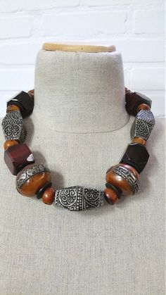 Tribal Moroccan Berber faux amber beads, large black elongated angular beads and 4 square Idar Oberstein beads necklace. Short Necklace, Diy Necklace, Beautiful Earrings, Beautiful Necklaces, Amber Beads, Metal Beads, Large Black, Tibet, Diy Jewelry