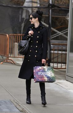 Krysten Ritter strolling in Soho in New York City - March 19, 2013 - Photo: Runway Manhattan