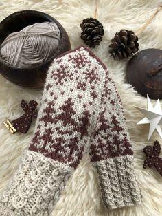 Mittens, Knitting Patterns, Monogram, Mini, Socks, Threading, Fingerless Mitts, Knit Patterns, Fingerless Mittens