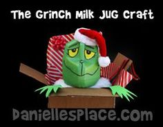 Grinch in Present Milk Jug Craft for Kids www.daniellesplace.com Along with zapatos para día de los reyes