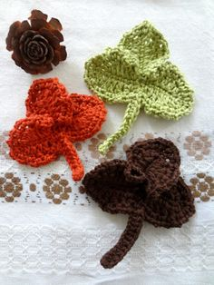 How to read crochet charts: I translated a chart for these lovely autumn leaves. So many ways to use these!