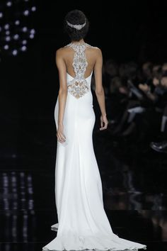 love the back of this wedding dress from Atelier @Pronovias 2017 collection! #PronoviasFashionShow #BarcelonaBridalWeek