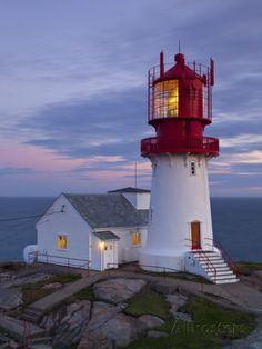 The Idyllic Lindesnes Fyr Lighthouse, Lindesnes, Norway Fotografie-Druck von Doug Pearson bei AllPosters.de