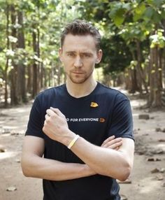 T-shirt Tom (we don't see nearly enough of T-shirt Tom. Not that I don't love suit Tom though.)