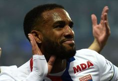 RUMOURS: Arsenal ready to trigger Lacazette's release clause