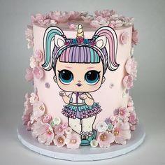 Doll Birthday Cake, Funny Birthday Cakes, 7 Cake, Bolo Cake, Unicorn Cake Design, Unicorn Cakes, Lol Doll Cake, Realistic Cakes, Owl Cakes