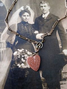 Victorian gold wash chain and goldtone heart fob by thejunkdiva, $50.00