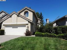 48 Summer Hill Court, DANVILLE, CA 94526 - $797,000 / beds: 4 / baths: 2 Full,1 Partial - Wonderful floor plan, in the Calif Chateau Sub. Harwood floors, updates to kitchen. Built~ins in closest. Nice open rear yard with trees for privacy. Bridal oak Staircase to upstiars. Plantation shutters, added storage above garage. Open Sat & Sunday 1~4:30.
