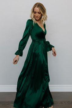 dress Maxi spring - Holly Satin Maxi Dress in Dark Green Emerald Green Bridesmaid Dresses, Green Formal Dresses, Velvet Bridesmaid Dresses, Satin Dresses, Dresses With Sleeves, Emerald Green Wedding Dress, Emerald Green Velvet Dress, Green Maxi Dresses, Green Dresses For Wedding