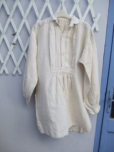 Vintage Linen Night Shirt French . Artists by JacquelineMcEwan, €34.00