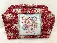 Kit Neceser Flower Power. Patrón de patchwork diseñado por Mi Casita de Patch.