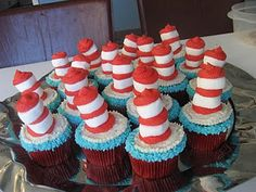 Cat in the hat cupcakes using marshmallows & icing