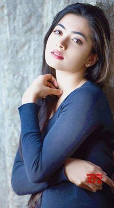 beatifull girls Fashion style look GUNJAN SAXENA: THE KARGIL GIRL TO RELEASE DIRECTLY ON NETFLIX  PHOTO GALLERY  | THEHINDU.COM  #EDUCRATSWEB 2020-06-09 thehindu.com https://www.thehindu.com/entertainment/movies/owu0i0/article31785365.ece/ALTERNATES/FREE_960/gunjan-2