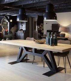 60 Vintage Wood Industrial Furniture Design Ideas Decorating Ideas Home Decor Ideas and Tips Oturma Odası Industrial Design Furniture, Industrial Interiors, Industrial Table, Metal Furniture, Table Furniture, Vintage Furniture, Furniture Design, Industrial Office, Industrial Farmhouse