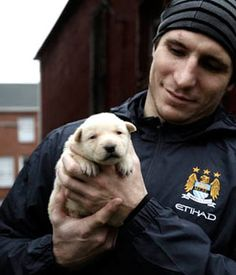 Alexander Steen WITH THE MOST ADORABLEST PUPPY ON THE FACE OF THE EARTH. :}