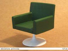 miniatura de móveis - poltrona <br>Não é um brinquedo. É colecionável ou para uso em maquetes. <br>- Miniatura em resina pintada <br>- Fazemos sob encomenda nas cores que desejar.