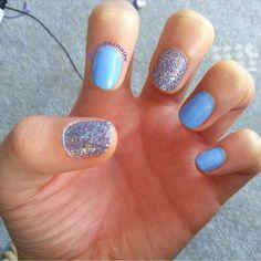 Blue & Glitter Nails  #NailPolishAddict #DIYMani #Nails #NailPolish #Manicure #Mani #Esmalte #EsmaltedeUñas #Uñas #NailArt #NailCreation #ILoveNails #Blue #Glitter #SinfulColors #misfitznails