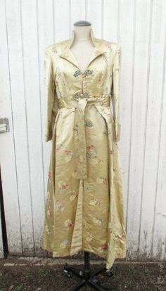 Vintage Chinese Robe Authentic Full Length Asian von kerrilendo