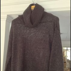 H&M Sweater, no tags, never worn. 100% wool, soft & very comfy.  Lightweight & can be worn with a tank. H&M Sweaters