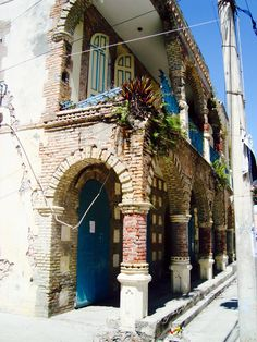 Jacmel, Haiti - Beautiful street architecture. Haitian Tattoo, Haitian Art, Barbados, Jamaica, Haiti Language, Santa Lucia, Haiti Adoption, Haiti Mission Trip, Haiti History