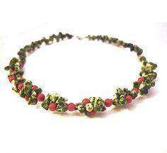 Holly Christmas necklace red jade green tree agate door deBATjes