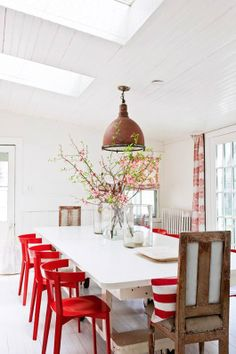 Add a festive note to your dining room for the coming Holidays season! As a true accent piece in the dining room or your kitchen, a set of red dining chairs is sure to compliment any decor. Decoration Inspiration, Dining Room Inspiration, Interior Inspiration, Life Inspiration, Decor Ideas, Red Dining Chairs, Dining Area, Red Chairs, Dining Rooms