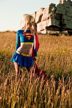 21 Gambar Cosplay Supergirl Cantik Dan Sexy
