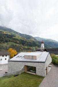 Gemeindezentrum in Südtirol / Astlöcher im Dorfkern - Architektur und Architekten - News / Meldungen / Nachrichten - BauNetz.de