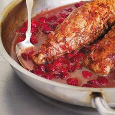 Ricardo& Recipe : Pork Tenderloins with Cinnamon and Cranberries Pork Recipes, Cooking Recipes, Healthy Recipes, Cooking Ideas, Cranberry Recipes, Holiday Recipes, Ricardo Recipe, Pork Dishes, I Love Food