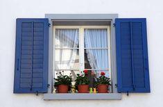 Alumínio, ferro, PVC, madeira ou vidro? Confira a seguir as vantagens e desvantagens de cada material para escolher a janela ideal para sua casa