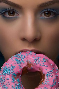 Donut's Disturb for Girlys Magazine - Photography by Isabelle Scappazzoni // Model Kellyn