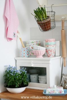 pretty #shabby little corner in the #kitchen filled with #greengate and a touch of Cath