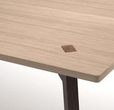 cuatro designed by Reinhard Dienes Díaz
