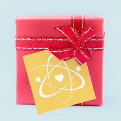 Für die perfekte Hochzeitsdeko: Geschenkanhänger im Chemie-Design
