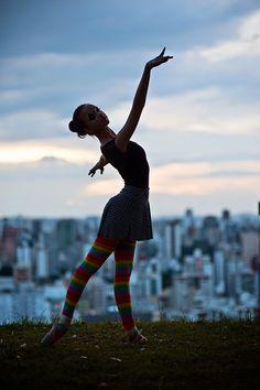 3.bp.blogspot.com -B9c1QwgbqOg U4y7QPkACdI AAAAAAAATH8 -IeqFVUzOFc s1600 fotos-book-15-anos-bh-melhores-criativas-bailarina-estudio-studio-fazer-15-anos-festa-ADR9990.jpg