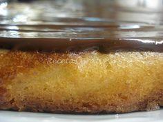 Ponga en el vaso el azúcar, la naranja troceada, las yemas y el huevo y programe 1 minuto a 50 ºC, velocidad 4. De esta forma el bizcocho saldrá mucho mas esponjoso....