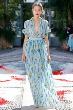89b532a436be Luisa Beccaria Spring 2018 Ready-to-Wear Fashion Show