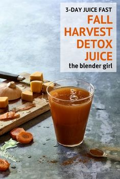 This pumpkin carrot juice from The Decadent Detox Fall Juice Fastpowered up with beta-carotenes in the pumpkin and carrots for glowing skin and eyes, and for sweet immunity! Gluten Detox Cleanse, Sugar Detox Cleanse, 3 Day Juice Cleanse, Juice Cleanse Recipes, Vegan Detox, Best Smoothie Recipes, Healthy Detox, Healthy Juices, Cleanse Diet