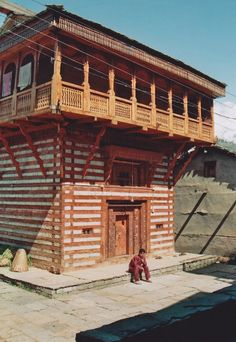 photos of old manali, himachal pradesh, india taken by monica forss / vernacular architecture | Tumblr