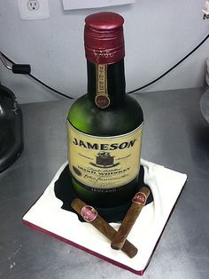 Jameson whiskey & cigars by Fluffy Thoughts Cakes, via Flickr Groom's Cake