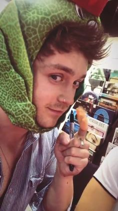 So cute Connor ❤️❤️❤️ Music X, Sound Of Music, The Vamps, Will Simpson, Bradley Simpson, Conan Gray, 1d And 5sos, Guys, Celebrities