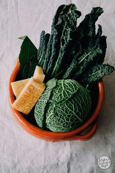 Kale, cabbage and Parmesan cheese / Palmkool, savooiekool en Parmezaanse kaas.
